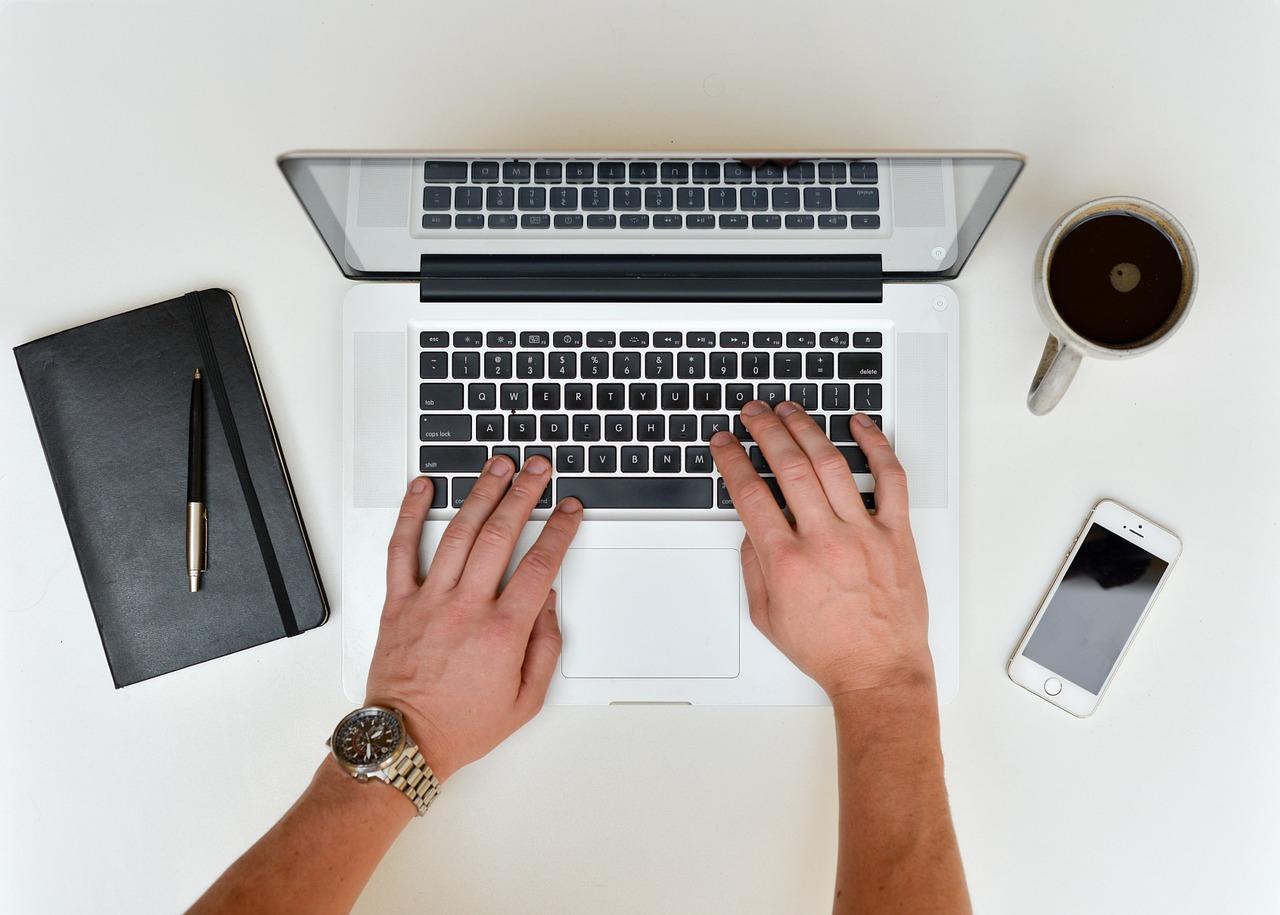 cómo sentarse en el ordenador