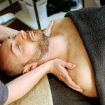beneficios del masaje durante el verano