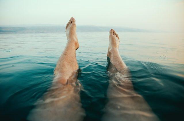 masaje para aliviar el dolor de piernas