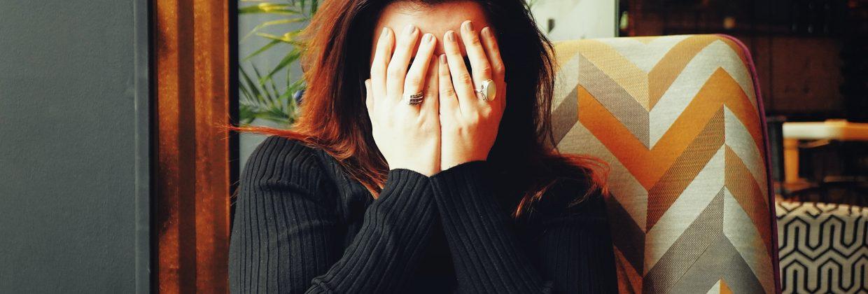 la fisioterapia puede ayudar a reducir los dolores de cabeza por estrés