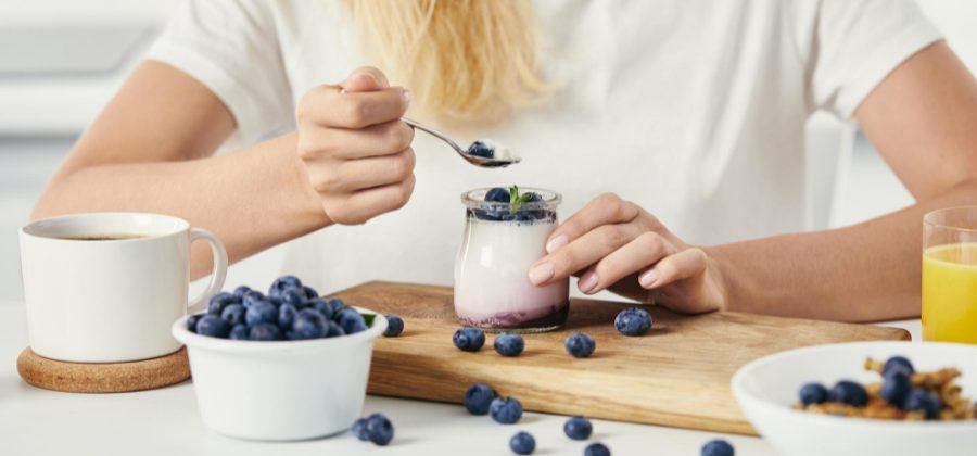 comer después de entrenar yogurt