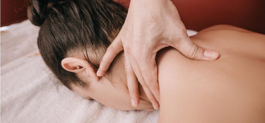 Masaje de hombros y cuello en Alicante